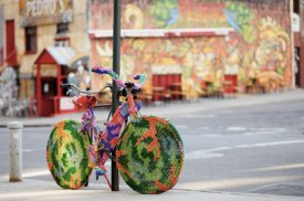 Orlek- Yarn Bombing a Bike